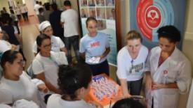 Higienização de mãos é tema de ação voltada aos colaboradores do Santa Isabel