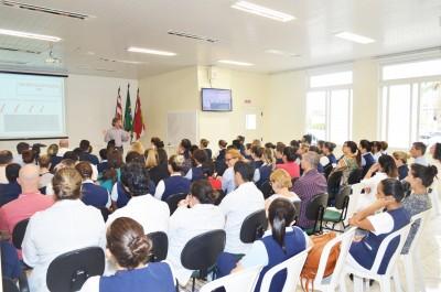 A Sistematização da Assistência de Enfermagem foi tema de palestras no HSI com o Enf. Marcelo Chanes