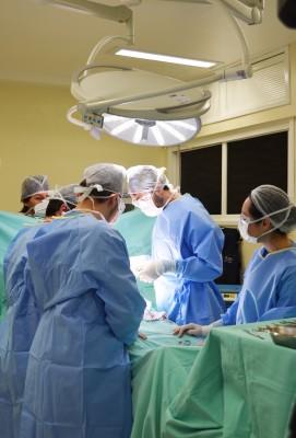 HSI é sede de evento sobre imersão em atualização no tratamento das hérnias