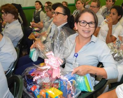 HSI em parceria com o Voluntariado da Saúde realiza programação especial para as mamães