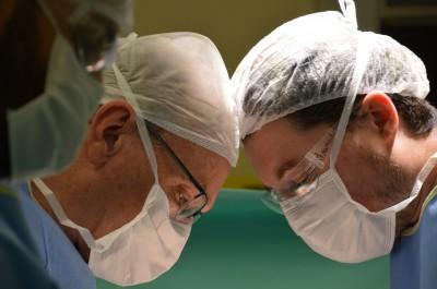 Paciente doa rim para amigo em procedimento realizado no Hospital Santa Isabel