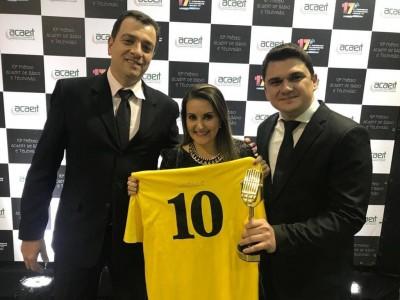 Série Um SIM pela Vida que retrata o Hospital Santa Isabel recebe troféu no 10º Prêmio Acaert