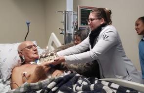 Aniversário e alta hospitalar – paciente tem dupla comemoração na UTI Coronariana