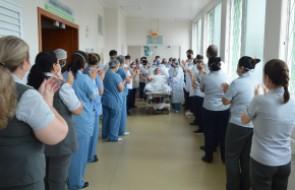 Colaboradora recebe alta da UTI do Santa Isabel após mais de um mês de internação