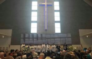 Colaboradores do Santa Isabel realizam romaria até Madre Paulina, em Nova Trento