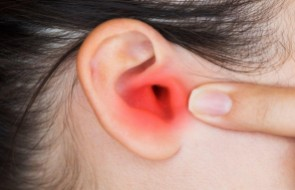 Cuidados com os ouvidos garantem verão sem infecções ou dores