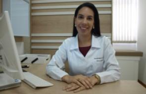 Dra. Danielle de Lara Torna-se Membro Internacional da Academia Americana de Neurocirurgia
