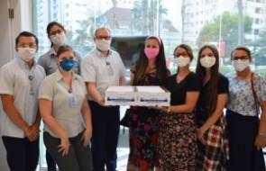 Mais de 1200 cartas são entregues para os profissionais do Hospital Santa Isabel