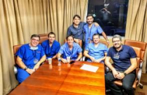 Médicos do HSI participam de curso para aplicação de tecnologia robótica em cirurgias