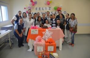 Paciente ganha festa de aniversário com direito a dia de beleza e massagem dentro do hospital