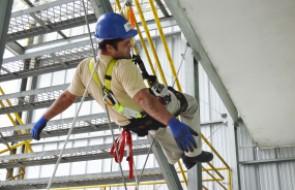 Segurança do Trabalho promove treinamento sobre NR 35